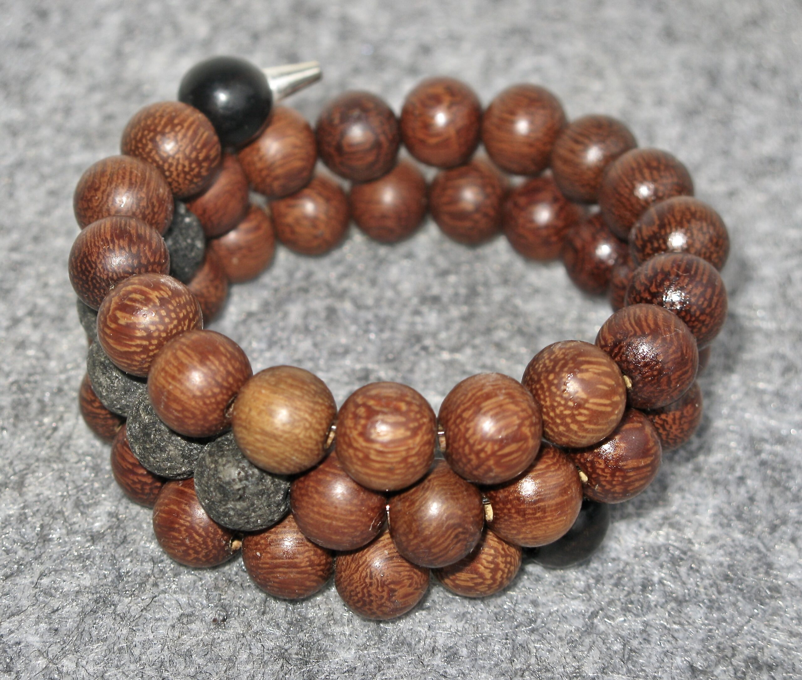 Bracelet with wood beads and lava beads